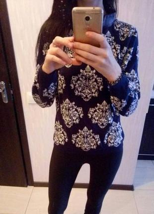Теплый свитер с узором