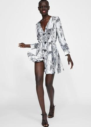 В наличии! хит сезона платье в animal print от zara! в магазине стоит 1499!