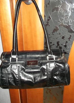 Кожанная сумочка , бренд  fiorelli