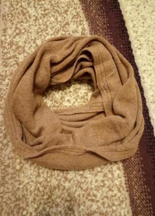 Теплый вязаный объемный шарф хомут