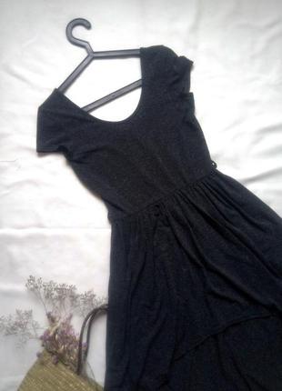 Темное трикотажное платье