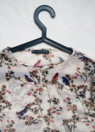 Легкая блуза с птичками и цветами3