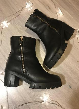 Зимние ботинки кожаные чёрные на тракторной подошве 38-39