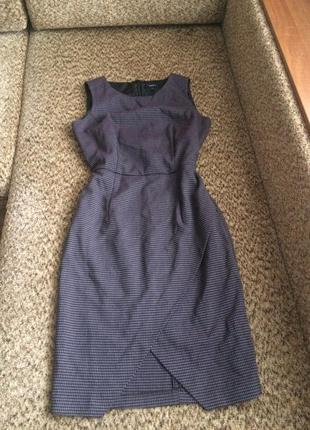 Платье футляр с асимметричной юбкой