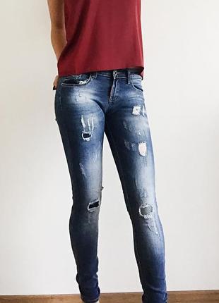 bc66dbd288f Женские джинсы с заплатками 2019 - купить недорого вещи в интернет ...