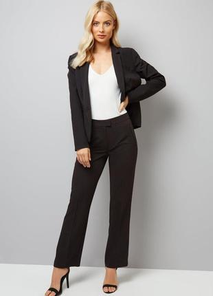 Чёрный классический костюм брючный, штаны и пиджак