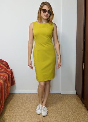 Ярко-салатовое платье миди