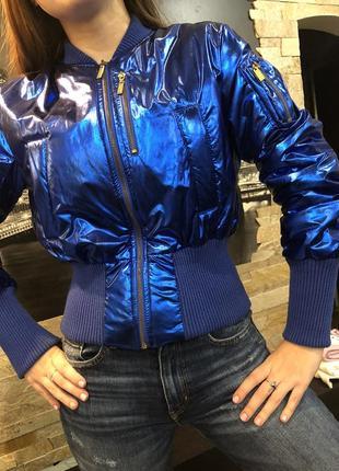 Крутая короткая куртка cnd италия