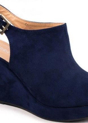 Черные замшевые босоножки на платформе с открытым носком 37 38 laura mode