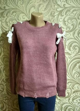 Крутой свитер с бантиками