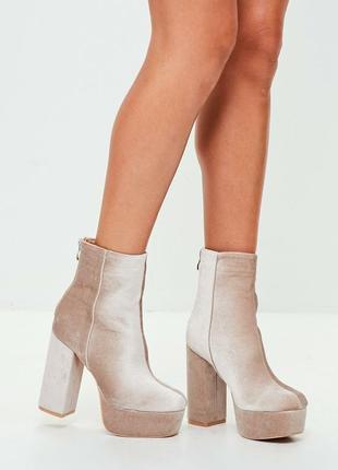 Шикарные бархатные ботинки missguided