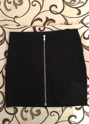 Стильная черная мини юбка на молнии h&m
