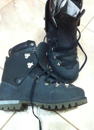 Горные ботинки, берцы raichle