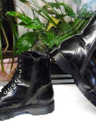 Удобные ,стильные  кожаные ботинки 39 р.! англия !!!