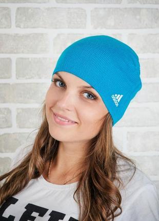 Женская шапка демисезонная спортивная adidas.