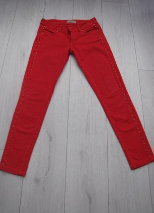 Красные штанишки скинни