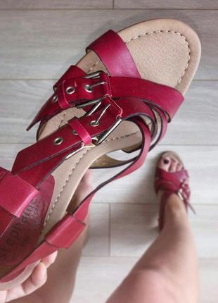 Красные кожаные босоножки с пряжками, натуральная кожа, 26,5-27 см