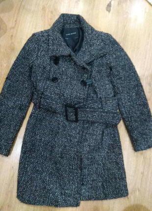 Шикарное пальто 46 размер