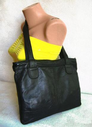 Деловая кожаная сумка формата а4 длинные ручки через плечо 37х29 на молнии