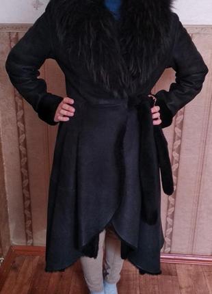 Дублёнка женская натуральная покрой как у платья мех енот асиметрия