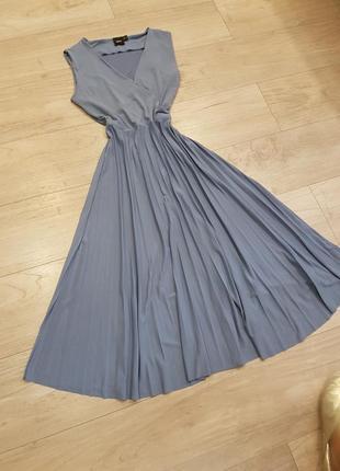 Миди платье с плессировкой asos