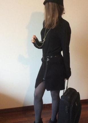 Violet чёрная ,вязаный трикотаж , юбка на молнии, пояс в паетках