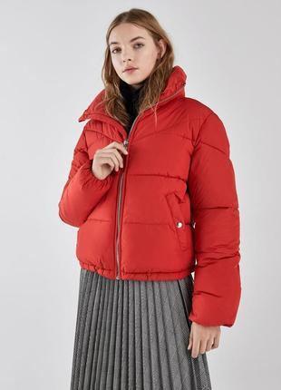 Куртка пуховик красная bershka