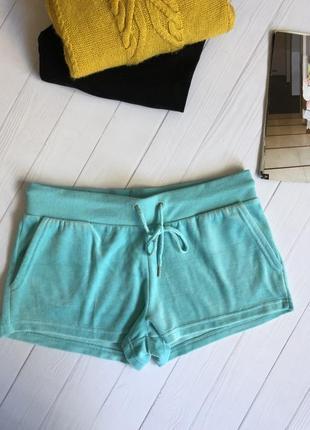 Велюровые шорты бирюзового цвета