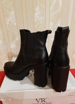 Крутые ботинки италия кожа