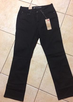 Чёрные стрейчевые джинсы levi's