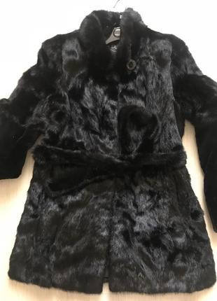 Чёрная норковая шуба ( отличного качества мех)