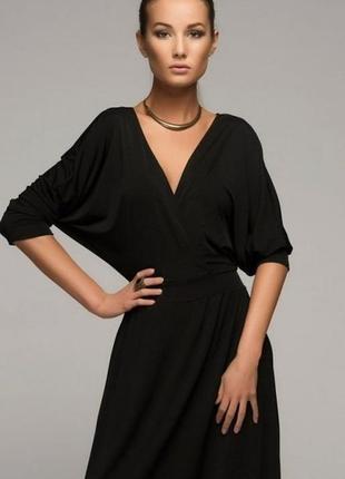 Классное трикотажное платье очень удачного фасона 48-52р