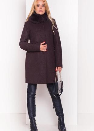 Тёплое пальто прямого кроя с мехом песца