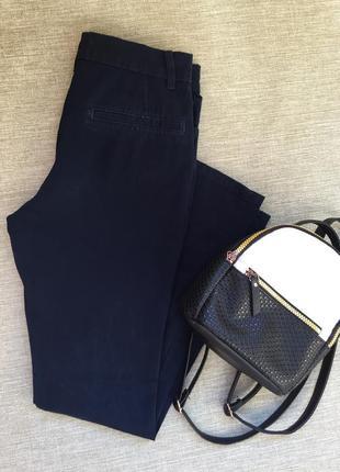 Классические брюки из плотного котона