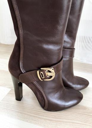 Очень красивые сапожки на каблуке