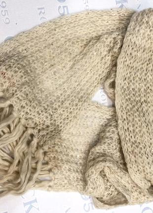 Красивый брендовый вязаный шарф