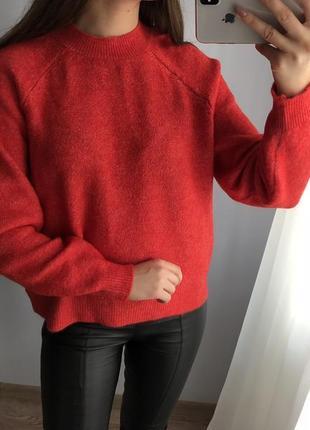 Актуальный красный свитер asos