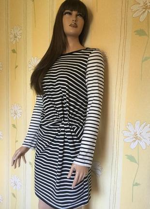 Платье из лёгкого трикотажа в полоску с драпировкой topshop 12 размер