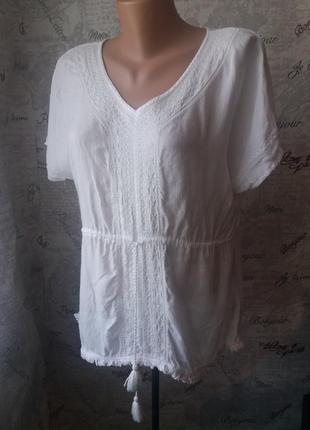Легкая коттоновая блуза с вышивкой