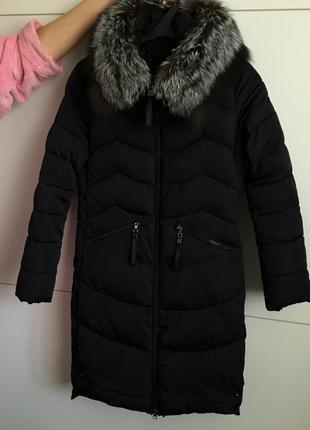 Зимнее пальто с натуральным песцом