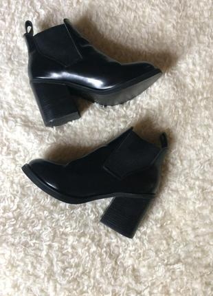 Кожаные ботинки на блочном каблуке river island