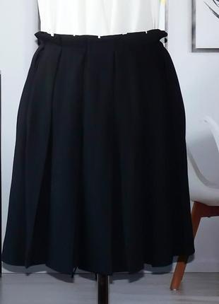 Юбка мини легкая со встречными складками