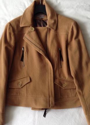 Двубортное пальто-куртка, косуха. кашемир, шерсть. кэмэл. l( пог-50).