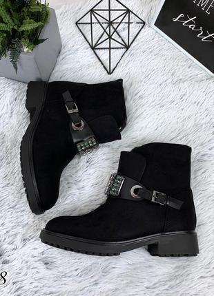 Стильные замшевые ботиночки на низком каблуке. размеры с 36 по 41