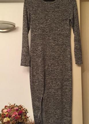Базовое серое миди платье
