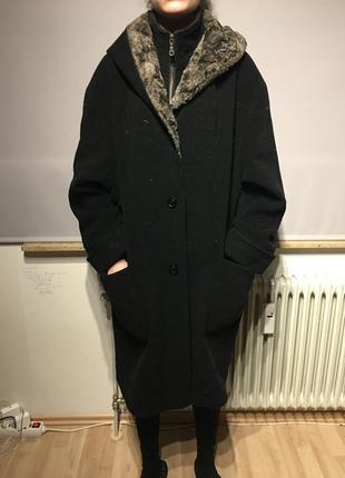 Оригинальное теплое шерстяное пальто