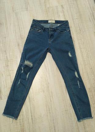 Укороченные джинсы  этого сезона,почти новые