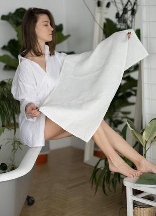 Банное белое льняное полотенце