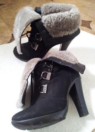 Зимние ботинки на каблуке  2 в 1