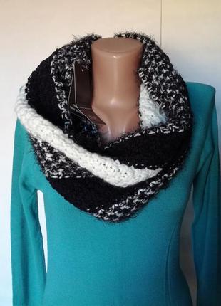 Черно-белый снуд шарф